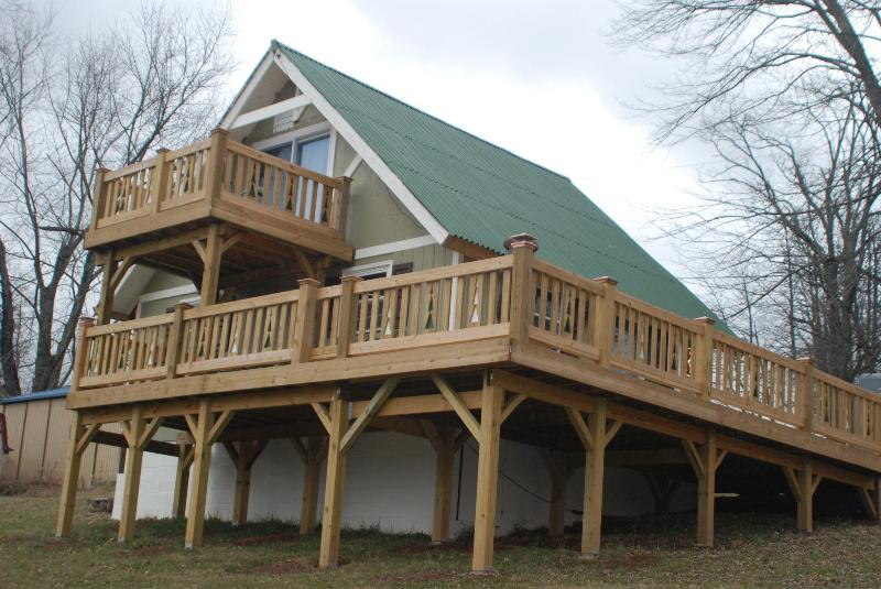 Decks on two levels! - Hiker's Haven By BruceMoose - Elkton - rentals