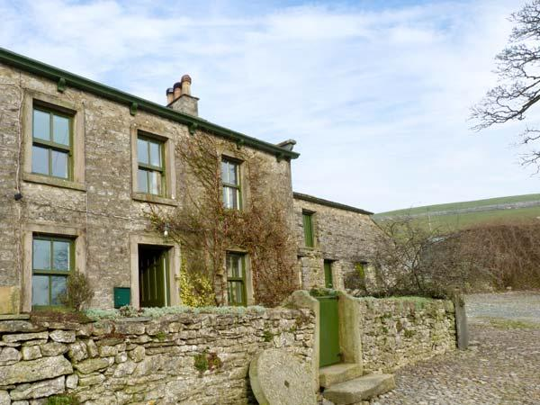 GREENGATES FARM, pet friendly, character holiday cottage, with a garden in Horton-In-Ribblesdale, Ref 12171 - Image 1 - North Yorkshire - rentals