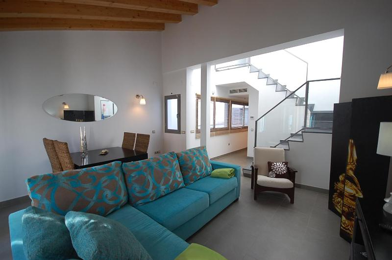 [333]Central fantastic duplex with private terrace - Image 1 - Seville - rentals