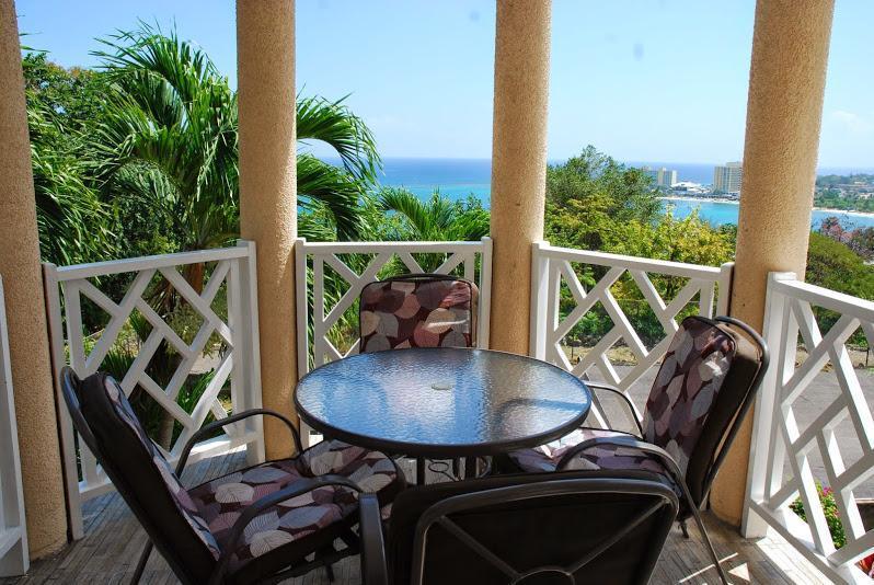 Columbus Heights Ocean View Studio Condo wi/fi 24h - Image 1 - Ocho Rios - rentals