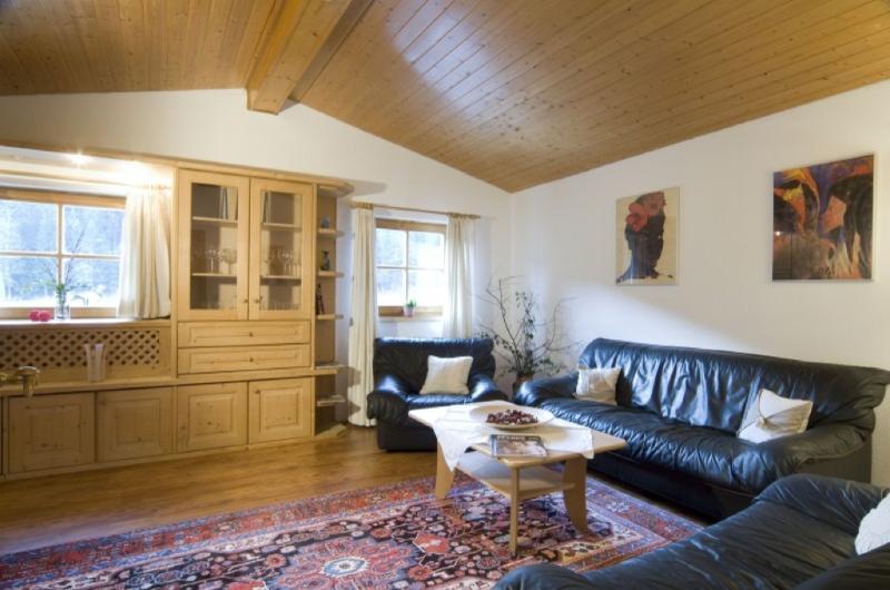 Living Room (1) - LLAG Luxury Vacation Home in Bischofswiesen - relaxing, wonderful views of the alpine meadows, corrals,… - Bischofswiesen - rentals