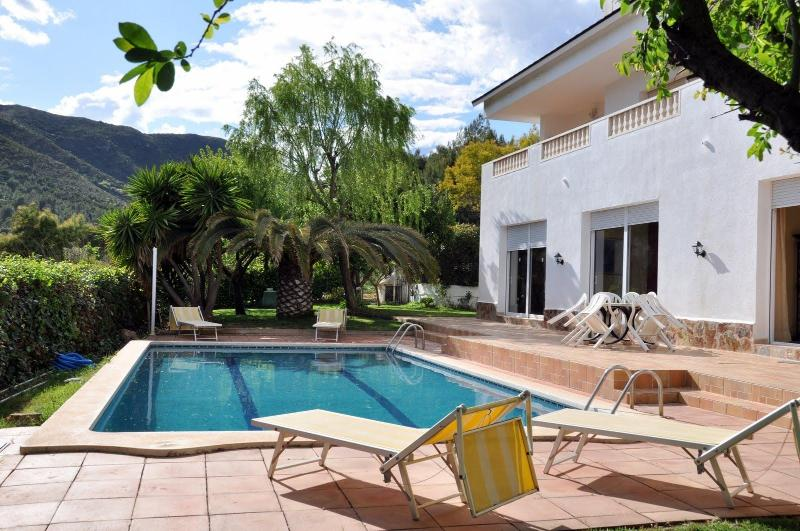 Swimming pool mountain view - Villa  Sitges  Barcelona 8 bedrooms 12 m pool - Sitges - rentals