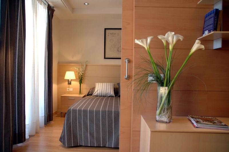 Serennia Eixample 2 bedrooms - Image 1 - Barcelona - rentals
