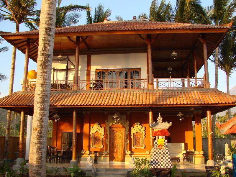 Mainhouse Villa Sinar Cinta - 4 bedroom Seaside Villa Sinar Cinta Amed Bali - Amed - rentals