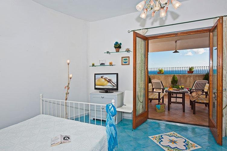 Loft with a double bed, there is possible add an other bed. - Casa Felicia 200mt of the beach - terrace sea view - Praiano - rentals