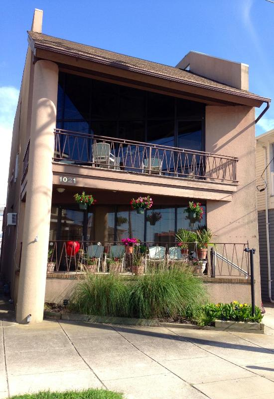 Exterior Photo - Book 2015 NOW & Pay 2014 Rates - Downtown 3BR Loft - Ocean City - rentals