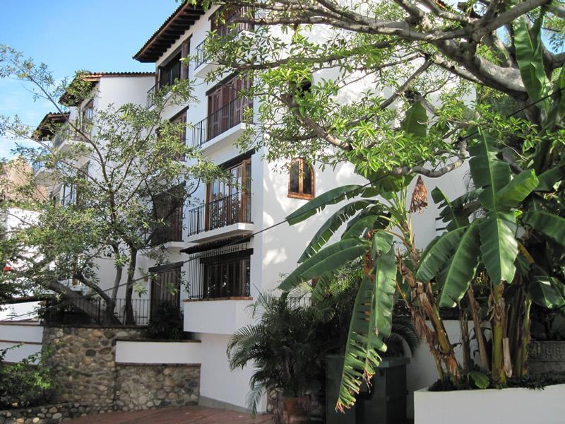 Selva Romantica - front of building - Warm Pool, Cool Condo! Zona Romantica 1BR2BA unit - Puerto Vallarta - rentals