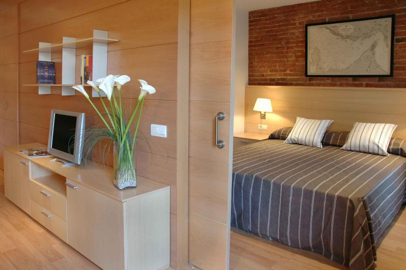 Serennia Eixample 1 bedroom - Image 1 - Barcelona - rentals