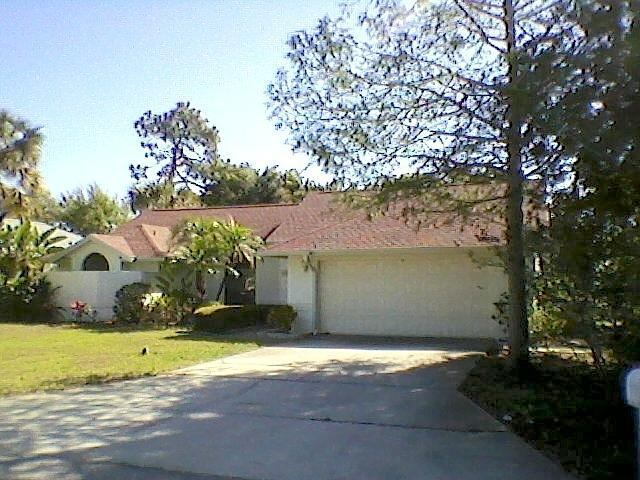 Front of House - Large Home on Venice Island( Heated Pool) - Venice - rentals