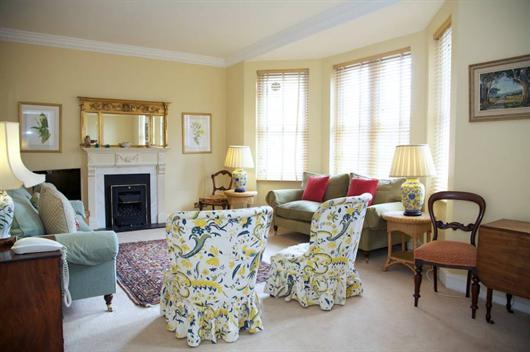2 bedroom short let in Kensington - Image 1 - London - rentals