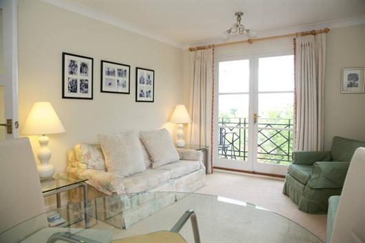 3rd Floor 2 Bedroom London Apartment at Brompton Park Crescent - Image 1 - London - rentals