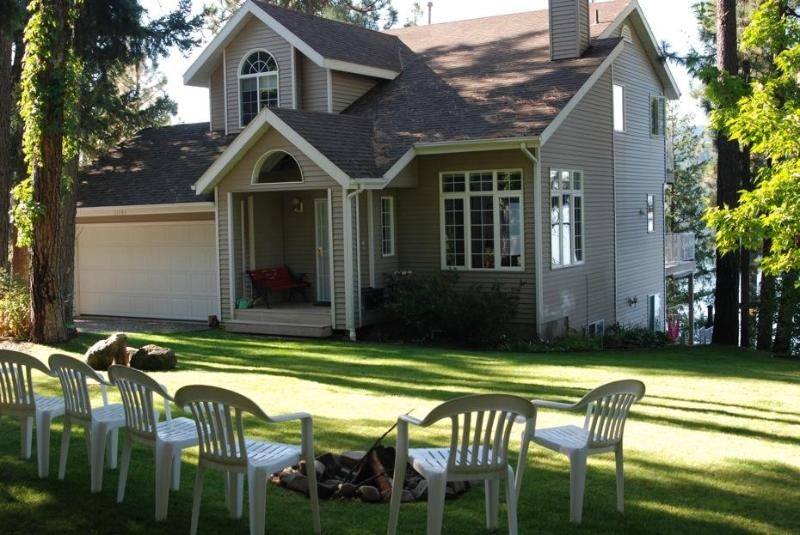 Front Yard with Firepit - 3 Bdrm House on Lake Coeur d'Alene w/private beach - Coeur d'Alene - rentals