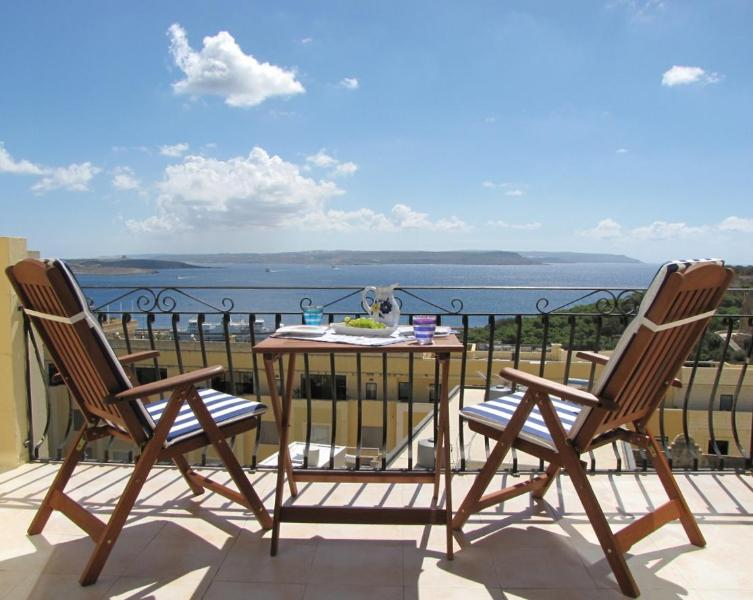 Relax and enjoy the spectacular sea view - Apartment with stunning ocean views + Pool - Ghajnsielem - rentals