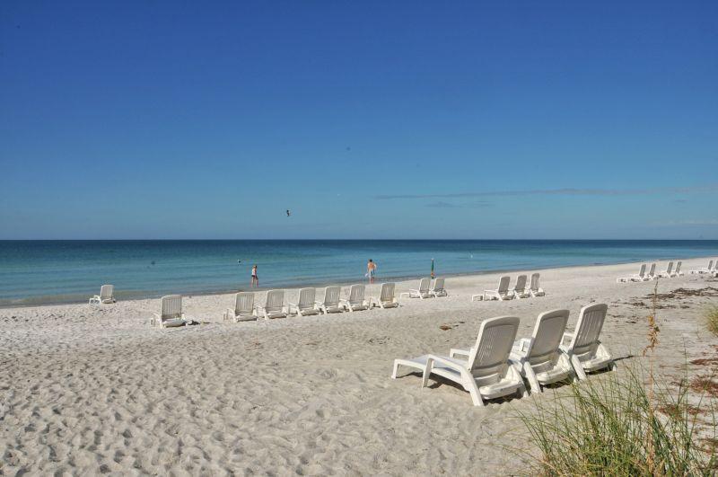 Beautiful Beach Condo, Family Friendly,Heated Pool - Image 1 - Longboat Key - rentals