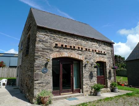 Pet Friendly Holiday Home - The Old Coach House, Hayscastle - Image 1 - Pembrokeshire - rentals
