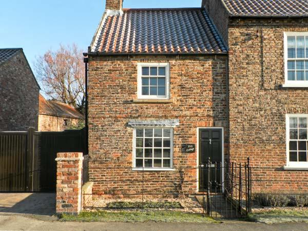IVY COTTAGE, pet friendly, character holiday cottage in Flaxton, Ref 12212 - Image 1 - Flaxton - rentals