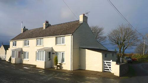 Pet Friendly Holiday Cottage - Rose Cottage, Square and Compass - Image 1 - Trefin - rentals