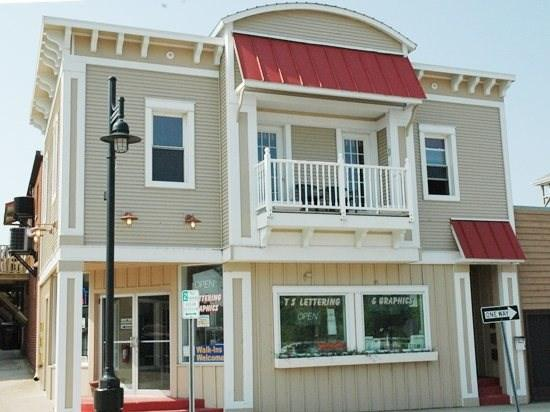 2nd Floor condo with balcony - Harbortown Haven - South Haven - rentals