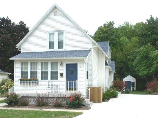 Exterior - Hart`s Haven - Weekly stays begin on Saturdays* - South Haven - rentals