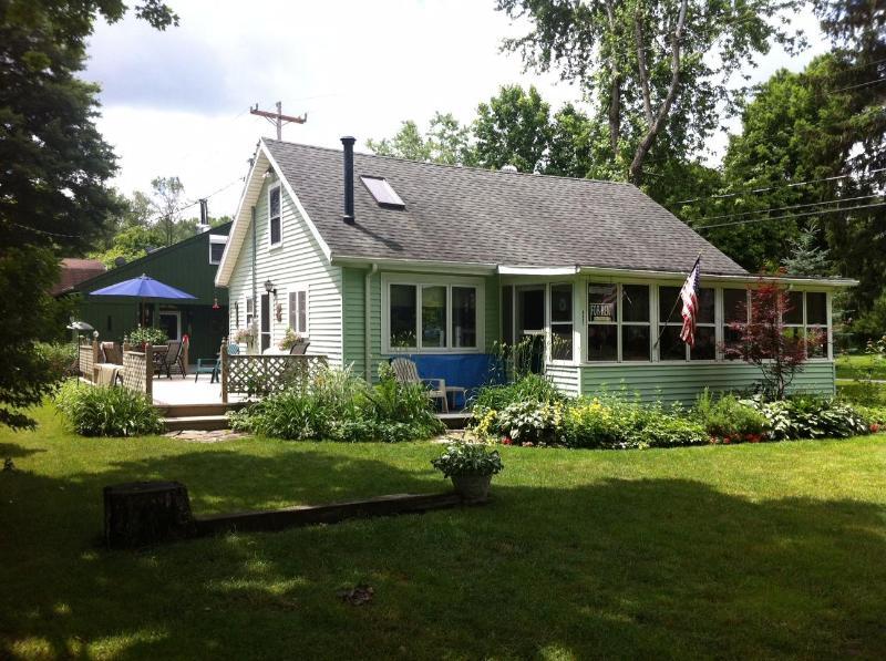 Front of Cottage - Adams Getaways at Chautauqua Lake, New York - Mayville - rentals