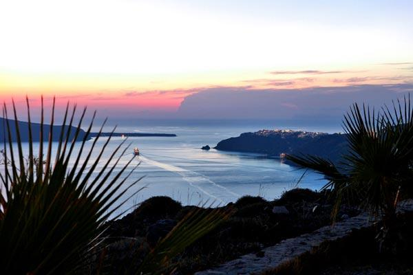 This Imerovigli villa overlooks the volcano and sunset. MED PER - Image 1 - Santorini - rentals