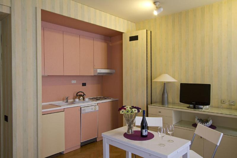 Milan Apart - Cozy Apartment in dowtown of Milan - Image 1 - Milan - rentals