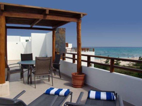 MAYA - MAR22  a true retreat, splendid ocean views from the living and dining room areas - Image 1 - Riviera Maya - rentals