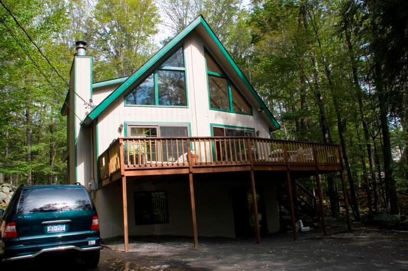 SUMMER WEEKEND BY THE LAKE, CENTER UPSCALE HIDEOUT - Image 1 - Lake Ariel - rentals
