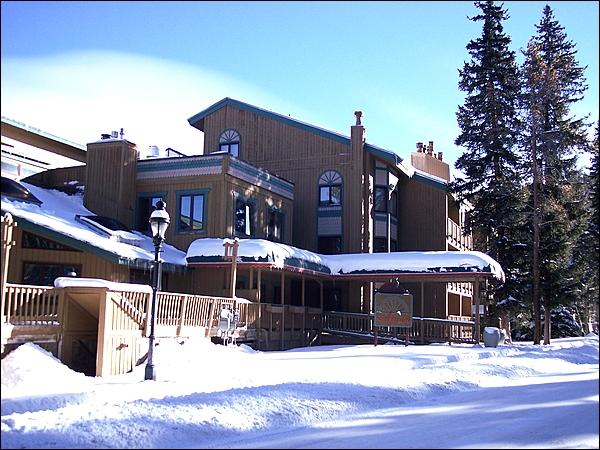 Just a Couple Blocks from Main Street - Walk to Main Street - Centrally Located Vacation Condo (13347) - Breckenridge - rentals