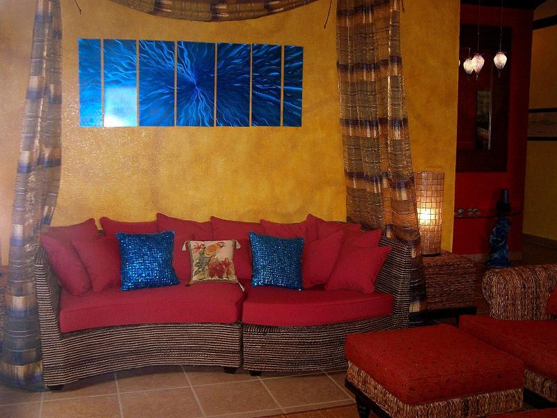 Living Room - Sunset Villas Best-2 King Suites-Poolside-Sea View - West End - rentals