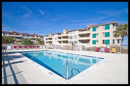 pool/building complex - Starlight - Tybee Island - rentals