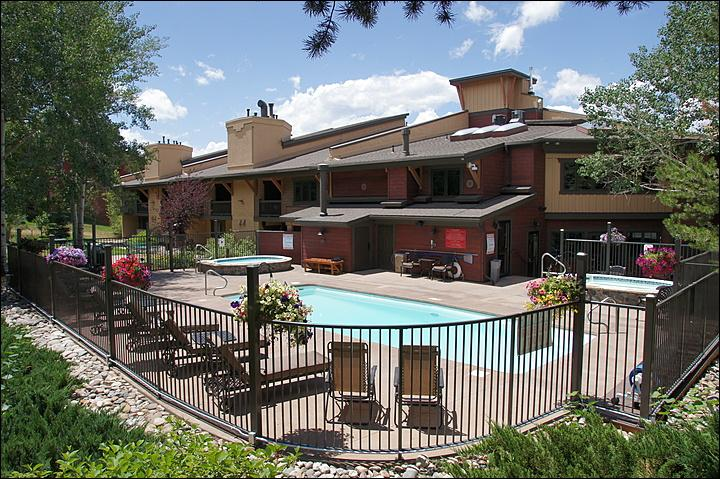 Heated Pool & Hot Tubs, Chase Lounge Furniture, Clubhouse - Ski In Access Less 100 Yards of the Condo - Heated Pool, Hot Tubs, & Large Sauna (3690) - Steamboat Springs - rentals