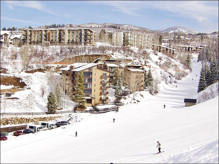 True Ski In Ski Out Location on Right O Way & North Headwall - Winter - Private Shuttle Service - Summer - Hiking & Biking Trails right outside (5477) - Steamboat Springs - rentals