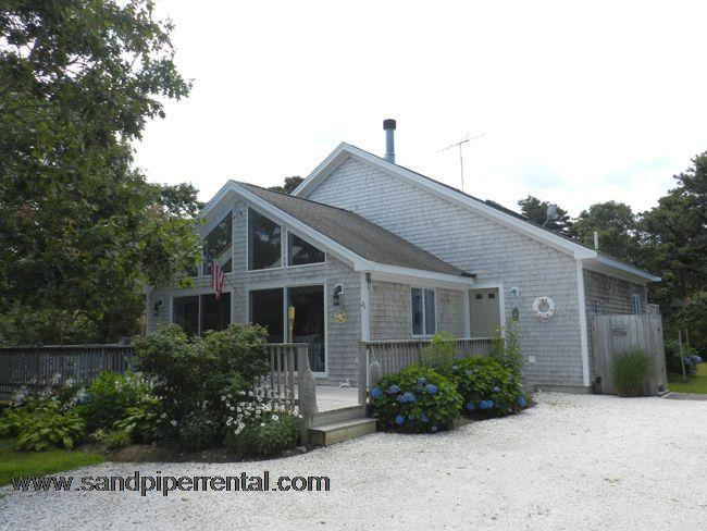 #7163 A welcoming and nicely maintained beach house - Image 1 - Edgartown - rentals
