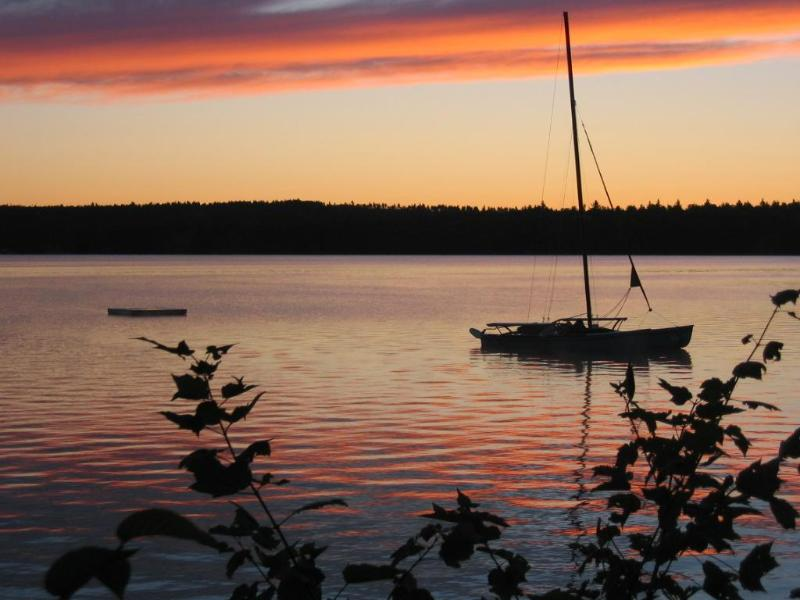 Picturesque Sunset on the Lake - The Retreat A perfect Get-A-Way for you and yours. - Eastbrook - rentals