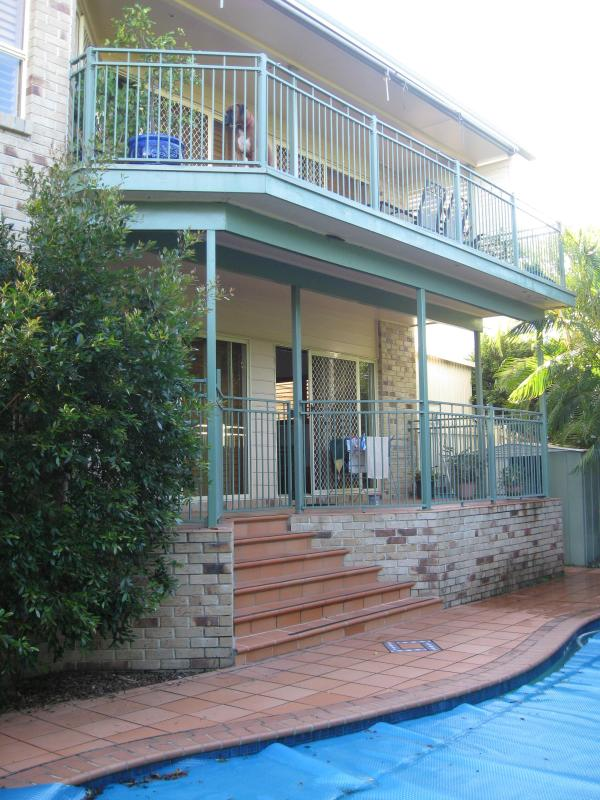 Balconies overlooking pool and oudoor barbecue area - Brisbane Bay Home Stay - Brisbane - rentals