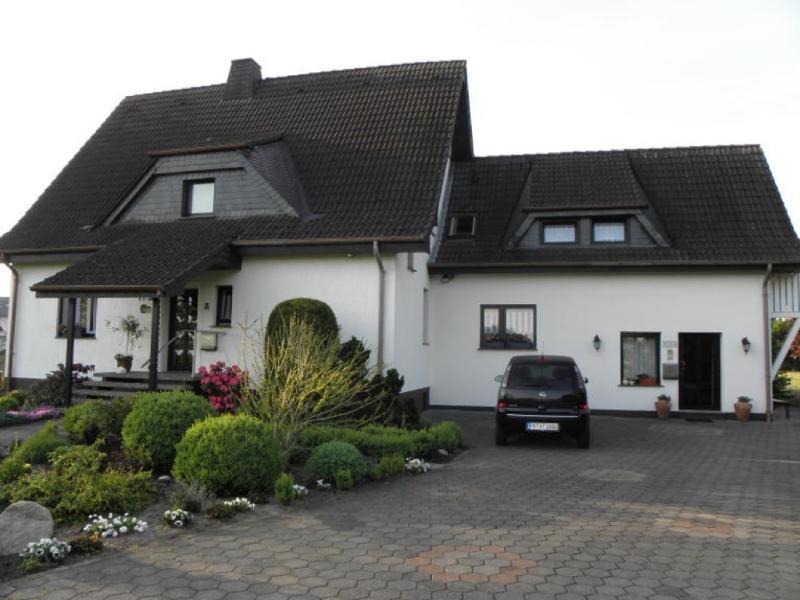 Vacation Apartment in Paderborn - 1076 sqft, comfortable, WiFi, big yard (# 2995) #2995 - Vacation Apartment in Paderborn - 1076 sqft, comfortable, WiFi, big yard (# 2995) - Paderborn - rentals