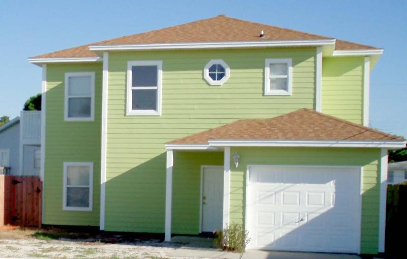 Front of House - Bright and Cozy Beach Home with 3 Bedrooms and a Balcony - Panama City Beach - rentals