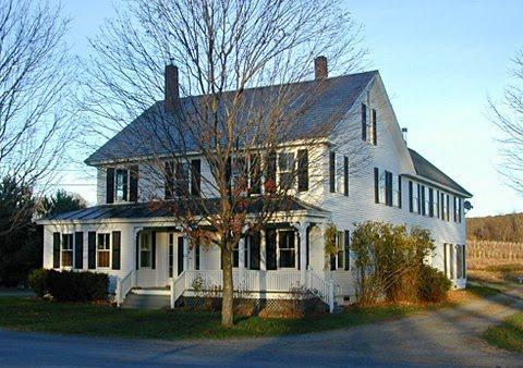 Foster Farmhouse West Wing - Foster West Farmhouse- Alyson's Orchard - Walpole - rentals