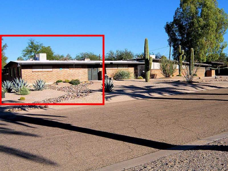 The guest house (at the left) is fully detached from the main house. - Bill & Bonnie's Guest House, Luxury + Convenience! - Tucson - rentals