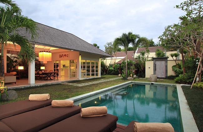 Pool and Garden - Villa Kiran - 2 Bedroom Private Villas - Seminyak - rentals