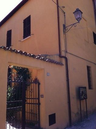 Lovely house in a village close to beach - Image 1 - San Costanzo - rentals