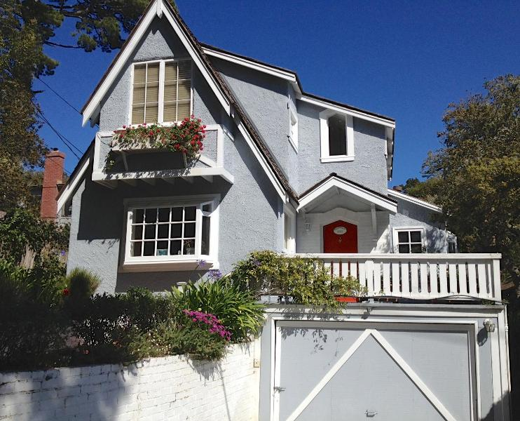 Honey's Retreat - Honey's Retreat: Lovely Beach Cottage - Carmel - rentals