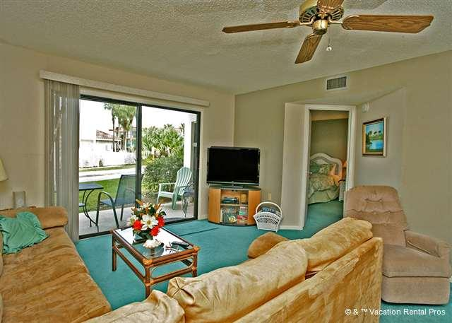"""Our living room features a new HDTV - Ocean Village E17, Ground Floor Unit, with 42"""" HDTV & WIFI in un - Saint Augustine - rentals"""
