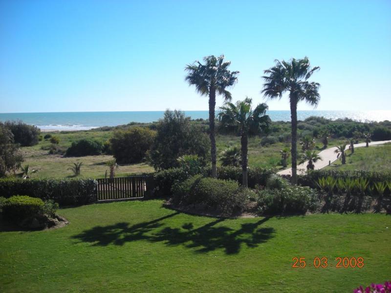 Luxury apartment overlooking the Atlantic Ocean - Image 1 - Chipiona - rentals