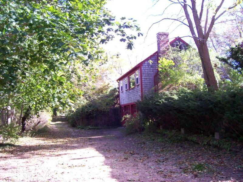 Cottage on the dirt lane a couple streets from downtown - Cottage about 1/3 mile to downtown village - Wellfleet - rentals