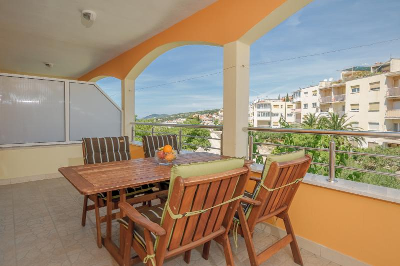 balcony - Apartments Komazin-MASLINA - Hvar - rentals
