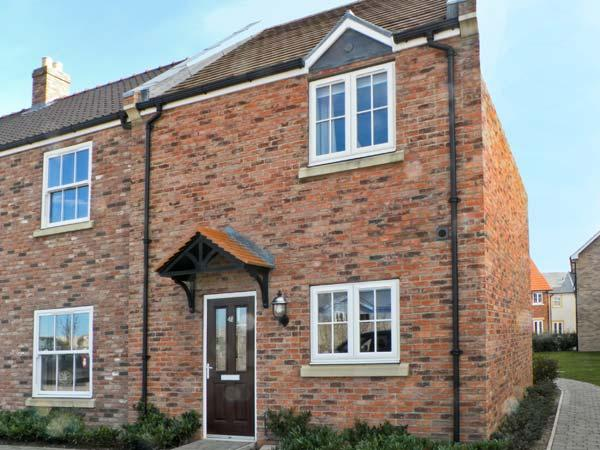 REDCOAT COTTAGE, pet friendly, with pool in Filey, Ref 12491 - Image 1 - Filey - rentals