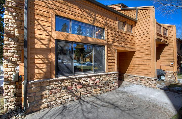 Ski-In/Ski-Out Townhome Steps from the Quicksilver Lift - Completely Remodeled Townhome - Perfect Location (13169) - Breckenridge - rentals
