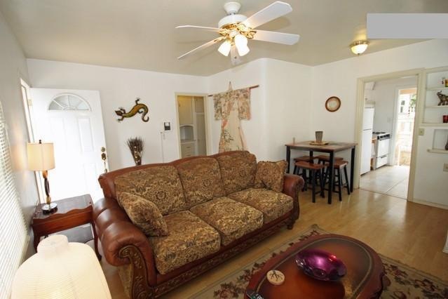 Living room - 1BR Quiet, private near Gaslamp, Convention, Zoo - Pacific Beach - rentals